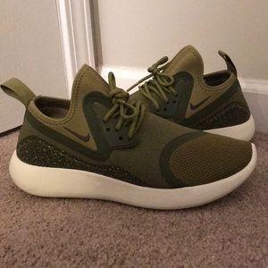 Men's Nike Lunarcharge Camper shoes